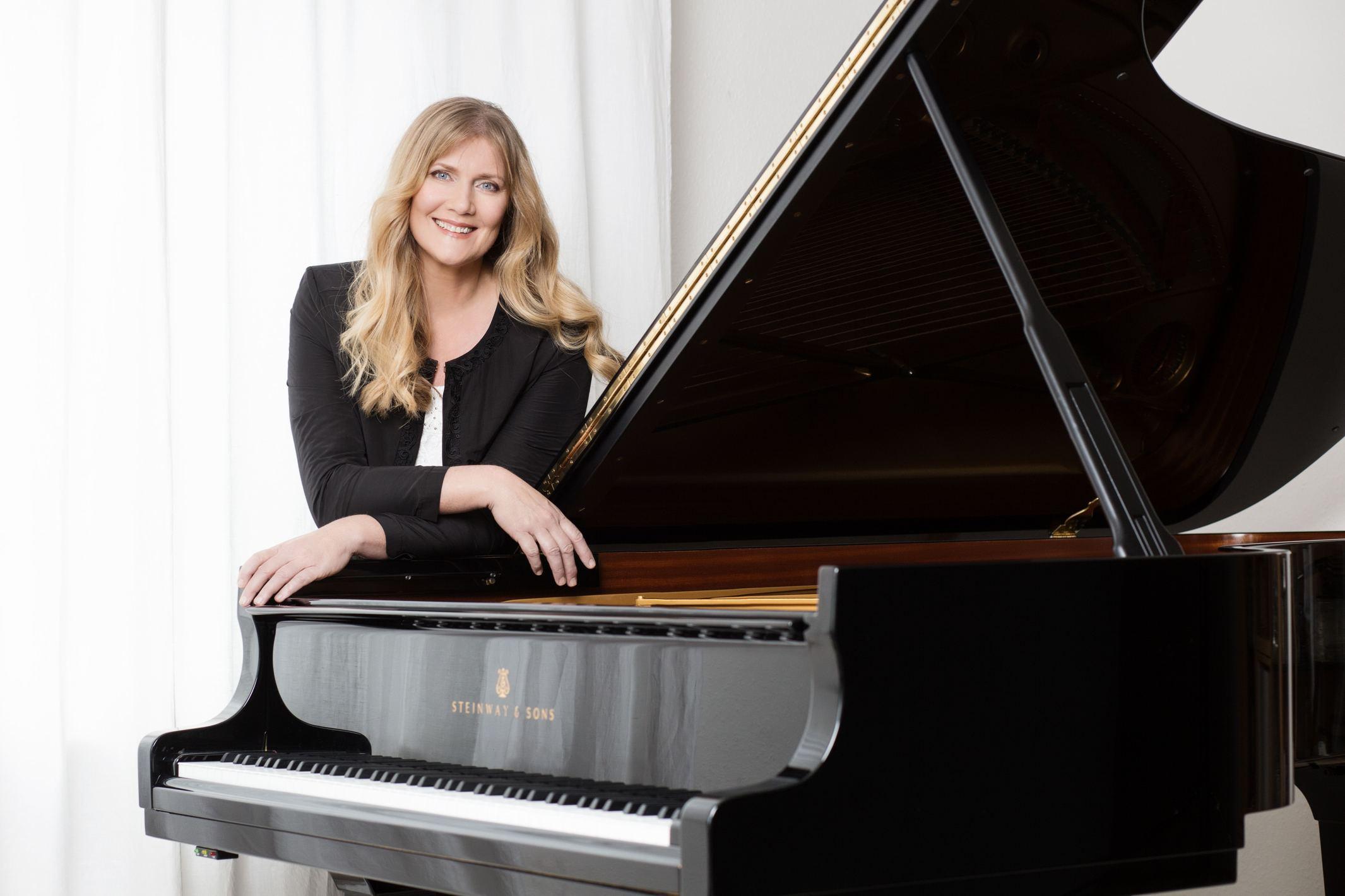 Klavier, Klavierunterricht Bad Soden, Pianistin Ulrike Danne-Feldmann, diplomierte Klavierpädagogin, Solo Klavier, Kammermusik